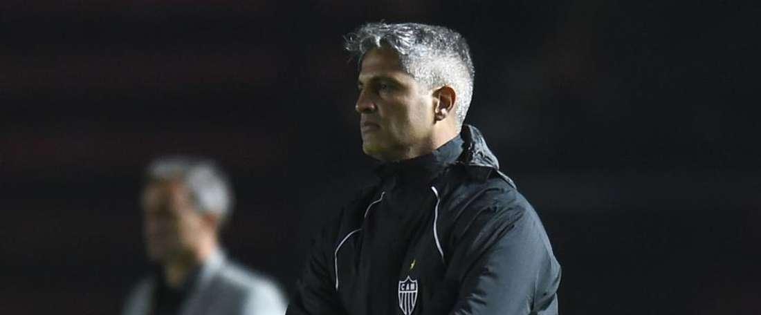 Colón vence de virada e deixa o Atlético com pior sequência de derrotas oito anos.