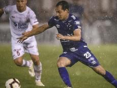 Copa Lib: Cruzeiro brave rain