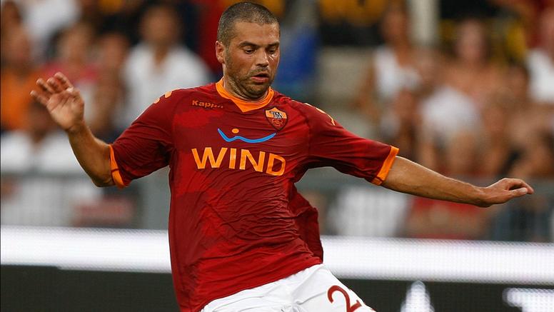L'ex Roma Tonetto. Goal