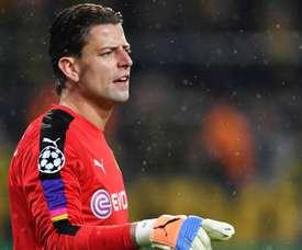 Roman Weidenfeller a prolongé son contrat d'une saison avec le Borussia Dortmund. Goal