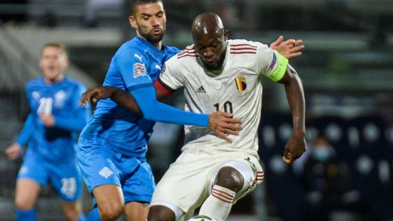 Lukaku congratulates emergency Iceland coach after hard-fought Belgium win