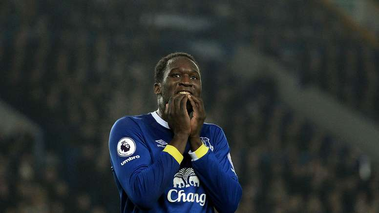 Romelu Lukaku is set to sign a new deal with Everton. Goal
