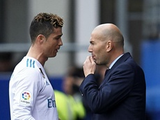 Zidane wanted Ronaldo to stay at Madrid before their respective departures. GOAL