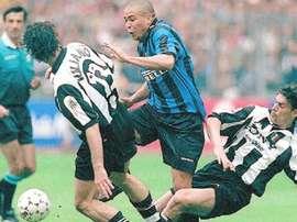 Ronaldo ricorda il famoso scontro con Iuliano. Goal