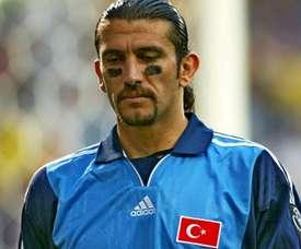 Ex-goleiro Rusto Reçber é internado por coronavírus. Goal