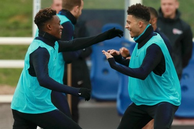 Southgate backs youngsters. GOAL