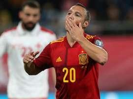 Moreno thrilled for Cazorla. Goal
