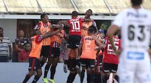 Dani Alves repete Neymar e desabafa. Goal