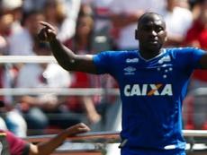 Torcida do Botafogo devolve provocação de Sassá. Goal