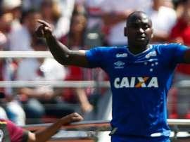 Com gol de Sassá, Cruzeiro vence o Ceará
