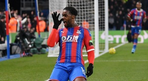 Schlupp scored for Palace. GOAL