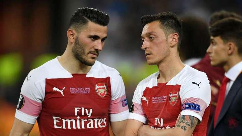 Arsenal have warned players after Ozil, Kolasinac attack - Mertesacker