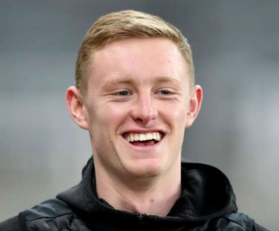 Sean Longstaff has been linked to Manchester United. GOAL