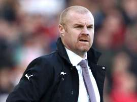 Dyche refuses to over-question players after Everton defeat. GOAL