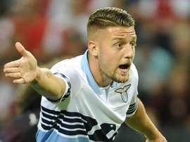 Milinkovic-Savic renova com a Lazio e frustra planos de Real e Man United