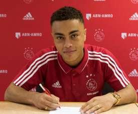 Ajax teen Dest called up by USA