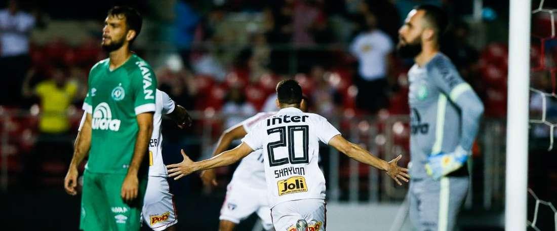 São Paulo 2 x 0 Chapecoense: vence, garante liderança do turno e se distancia do Inter. Goal