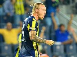Le défenseur du Danemark Simon Kjaer avec Fenerbahce. Goal