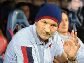 Bologna, i giocatori festeggiano all'ospedale con Mihajlovic: cori sotto la finestra