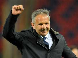 Mihajlovic ends speculation by renewing his Bologna contract. GOAL