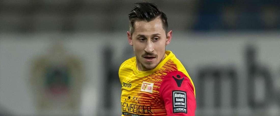 Skrzybski joins Schalke. GOAL