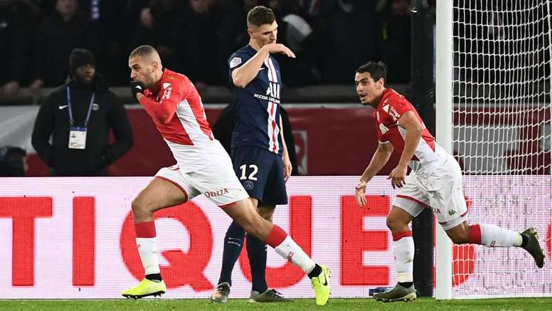 PSG boss Tuchel baffled by decision to allow Slimani equaliser. GOAL
