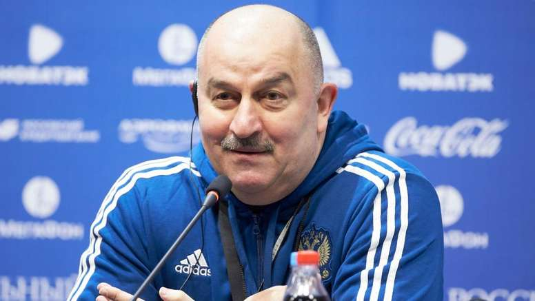 Russians have low expectations of what coach Stanislav Cherchesov's team can achieve. Goal