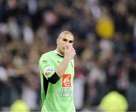 Ruffier de retour à l'entrainement de Saint-Etienne. Goal