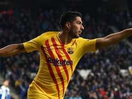 Luis Suarez to have knee surgery. GOAL
