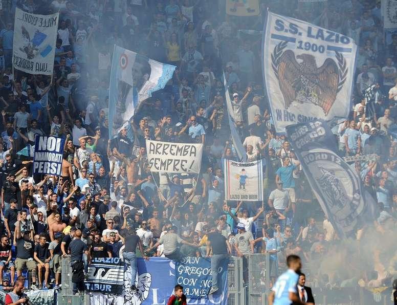 La Lazio réagit après la banderole pro-Mussolini à Milan. Goal