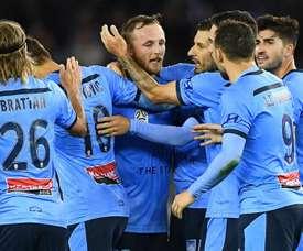 Le Fondre on target as leaders Sydney thrash Victory. GOAL