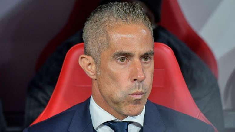 Aulas discusses Sylvinho. Goal