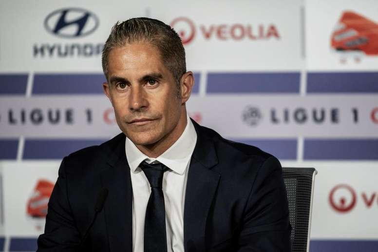L'OL dément les rumeurs sur le salaire de Sylvinho. AFP