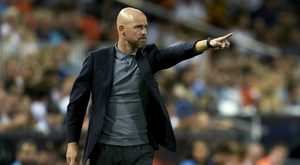Ten Hag rues 'sloppy' Ajax showing in late Chelsea defeat. GOAL