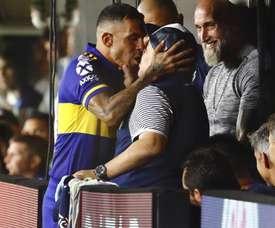 I was lucky that way – Tevez explains Maradona kiss. GOAL