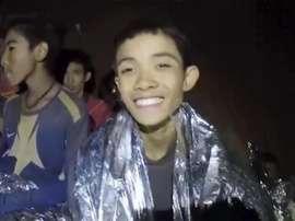 Primeiros meninos são resgatados de caverna na Tailândia e podem estar na final da Copa do Mundo