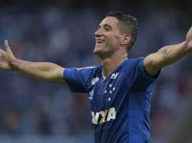 Thiago Neves  preferiu seguir no Cruzeiro. Goal