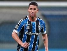 Sem clube, Thiago Neves ironiza derrota do Grêmio: continuo sendo culpado?