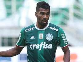 O meia do 'Verdão', Thiago Santos. Goal