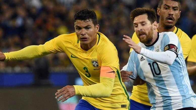 Silva contre Messi. AFP