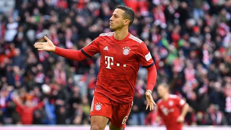 Bayern's Thiago is very happy. GOAL