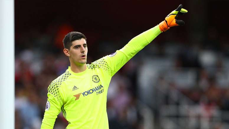 Thibaut Courtois is rumoured to be in talks with Real Madrid. Goal