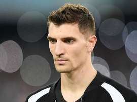 Meunier doesn't want to leave PSG this summer. GOAL