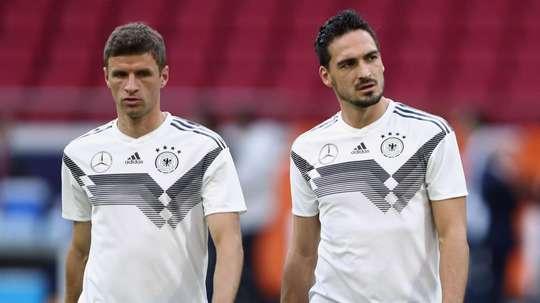 Alemanha não pode descartar jogadores experientes, diz Bierhoff