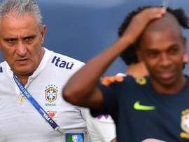 Tite surpreende: Fernandinho é o titular contra a Bolívia. Goal