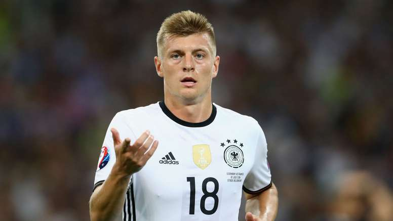 Toni Kroos received Low's vote over Mesut Ozil. Goal