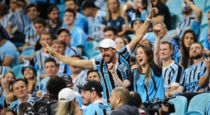 Com equipe alternativa, Grêmio bate o AthleticoPR em Porto Alegre
