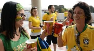 Cerveja nos estádios: o histórico da polêmica. Goal
