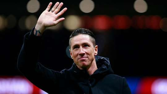 Simeone lauds 'absolute legend of football' Torres following retirement