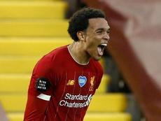Alexander-Arnold meilleur jeune joueur de la saison en Premier League. goal